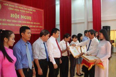 Đắk Nông hướng dẫn xét khen thưởng năm học 2017-2018